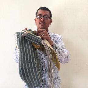 Daras_Sling Bag_Tiku Tailor 1